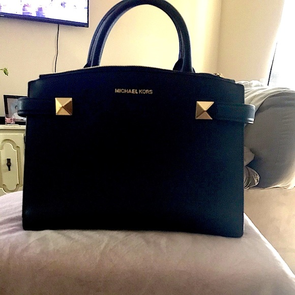 Michael Kors purse brand new